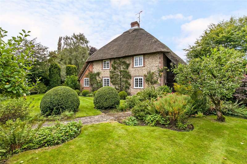 5 Bedrooms Detached House for sale in Petersfield Road, Ropley, Alresford, Hampshire, SO24