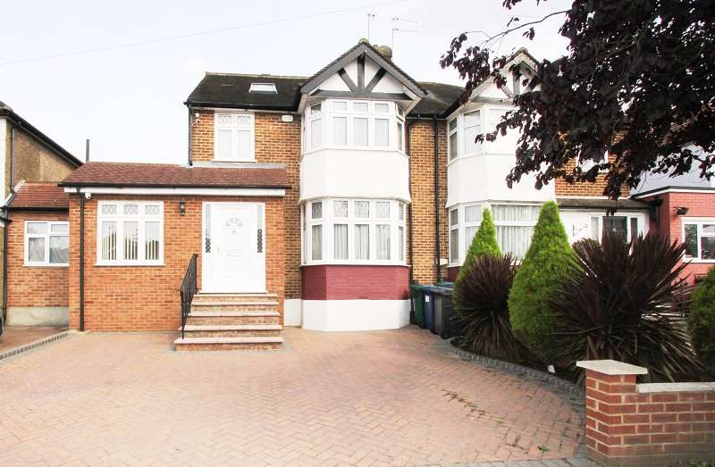 4 Bedrooms Semi Detached House for sale in Northolm , Edgware, Greater London. HA8 9RL