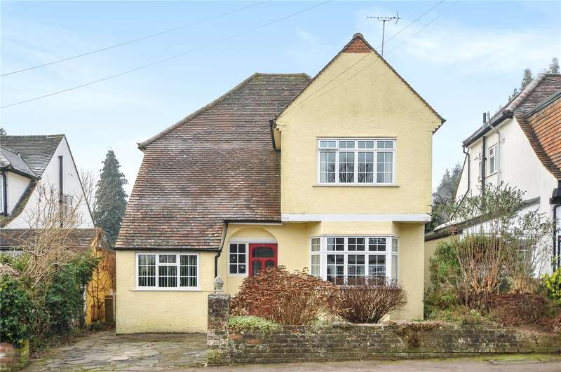 4 Bedrooms Detached House for sale in Highfield Way, Rickmansworth, Hertfordshire, WD3