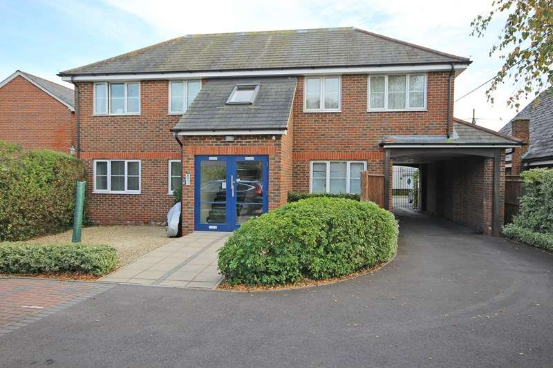 2 Bedrooms Flat for sale in Ashley Lane, Hordle, Lymington