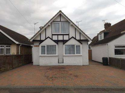 4 Bedrooms Bungalow for sale in Clacton On Sea, Essex