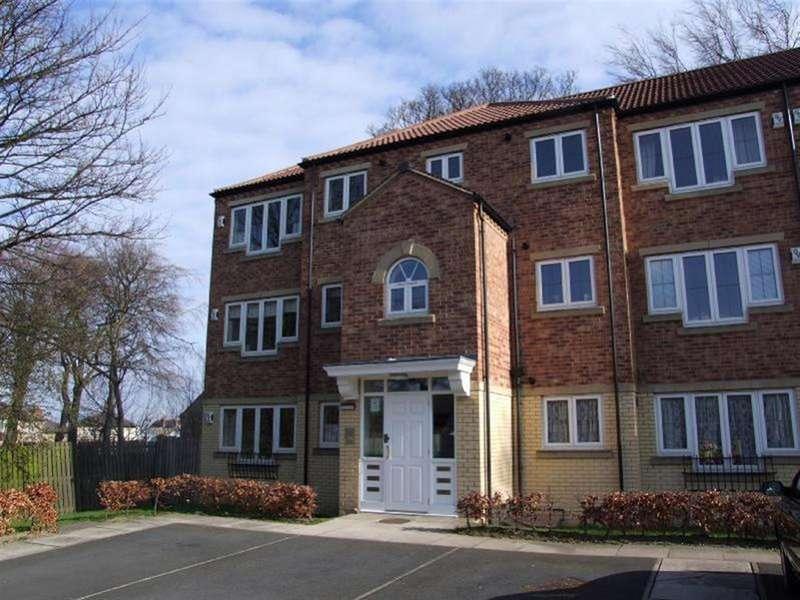 2 Bedrooms Flat for sale in Windsor Court, Bramley, LS13