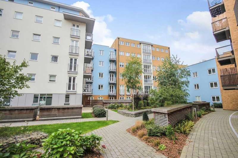 2 Bedrooms Apartment Flat for sale in Whitestone Way, Croydon