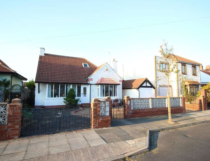 4 Bedrooms Detached Bungalow for sale in Grange Park, West Monkseaton , Whitley Bay, NE25