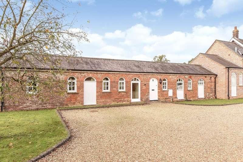3 Bedrooms Terraced Bungalow for sale in Home Farm Court, Putteridge Park, Luton, LU2