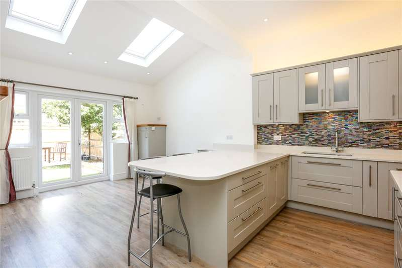 3 Bedrooms Terraced House for sale in Ravensbury Road, London, SW18