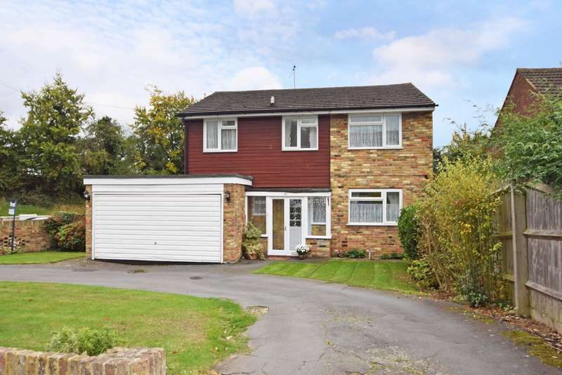 4 Bedrooms Detached House for sale in Hag Hill Lane, Taplow, SL6