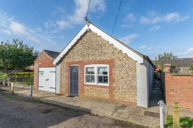 5 Bedrooms Detached House for sale in 1-3 Barn Cottages, Wells-next-the-Sea