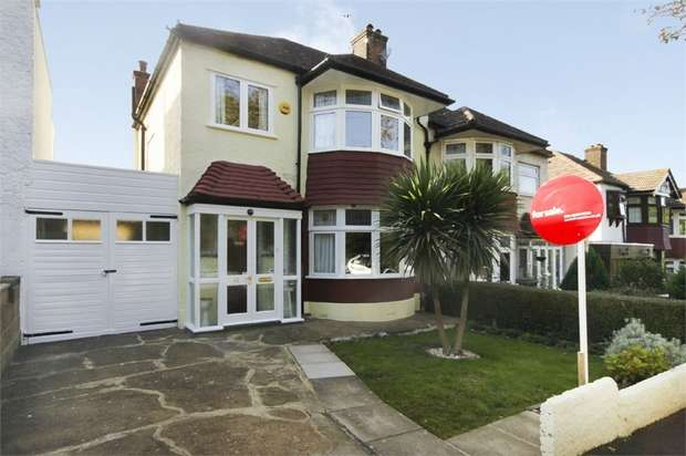 4 Bedrooms Semi Detached House for sale in Beacontree Avenue, Walthamstow, London