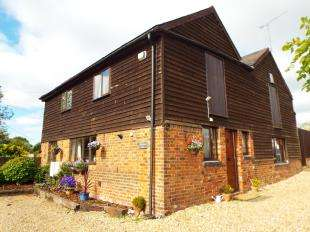 3 Bedrooms Barn Conversion Character Property for sale in Maidstone Road, Nettlestead, Maidstone, Kent
