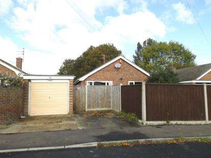 4 Bedrooms Bungalow for sale in Bradwell, Great Yarmouth, Norfolk