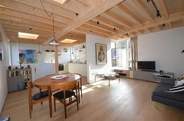 2 Bedrooms Detached House for sale in Welshpool Street, London Fields, E8