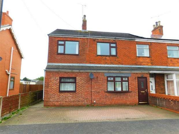 4 Bedrooms Semi Detached House for sale in Victoria Road, Barnetby, Lincolnshire