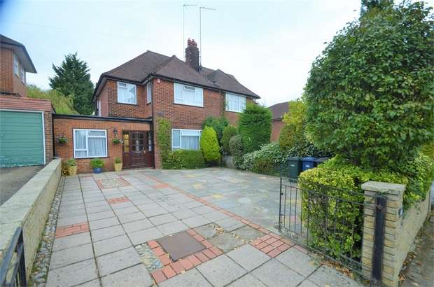 4 Bedrooms Semi Detached House for sale in Lawrence Gardens, Mill Hill, NW7
