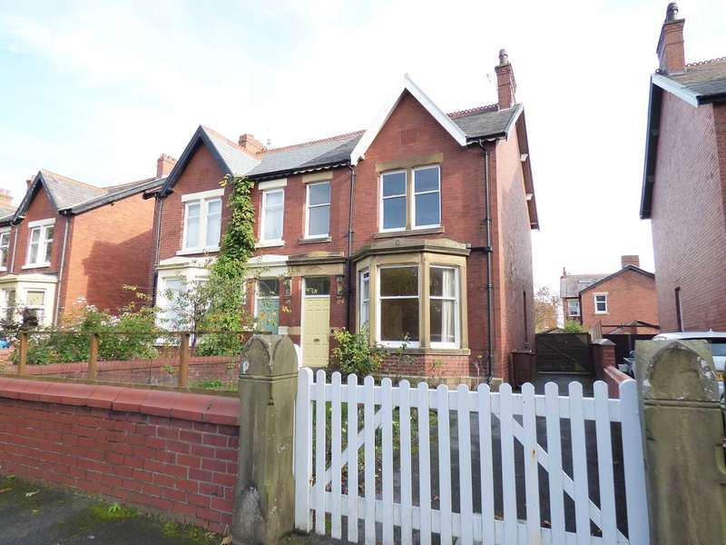 4 Bedrooms Semi Detached House for sale in Elms Avenue, Lytham