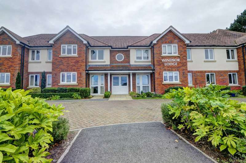 2 Bedrooms Apartment Flat for sale in Princes Risborough RETIERMENT PROPERTY