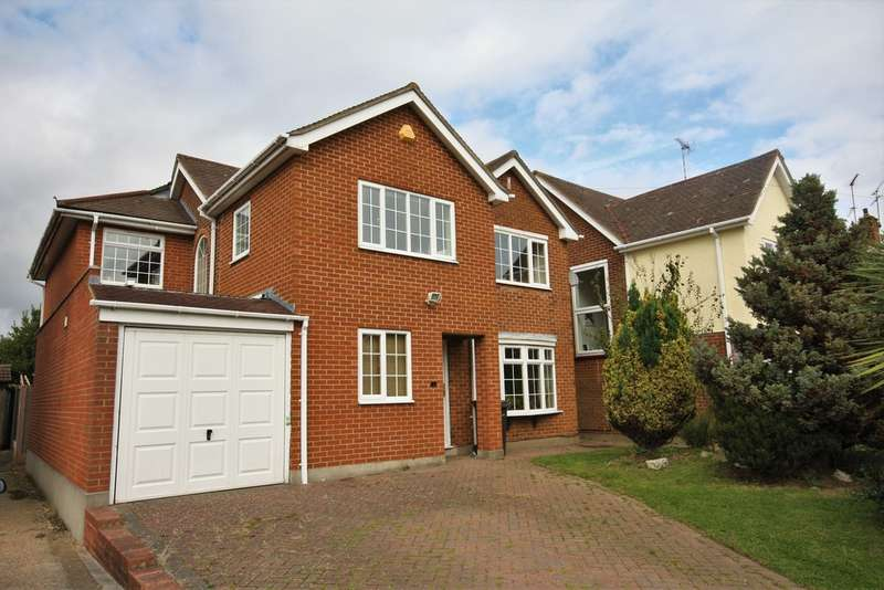 5 Bedrooms Detached House for sale in Helston Road, Chelmsford