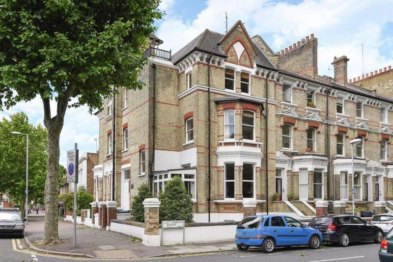 3 Bedrooms Flat for sale in St. Andrews Square, Surbiton