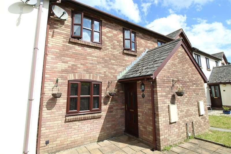 3 Bedrooms Terraced House for sale in Holly Lodge Close, Croesyceiliog, Cwmbran, NP44
