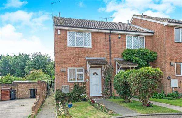2 Bedrooms End Of Terrace House for sale in Lisle Close, Gravesend