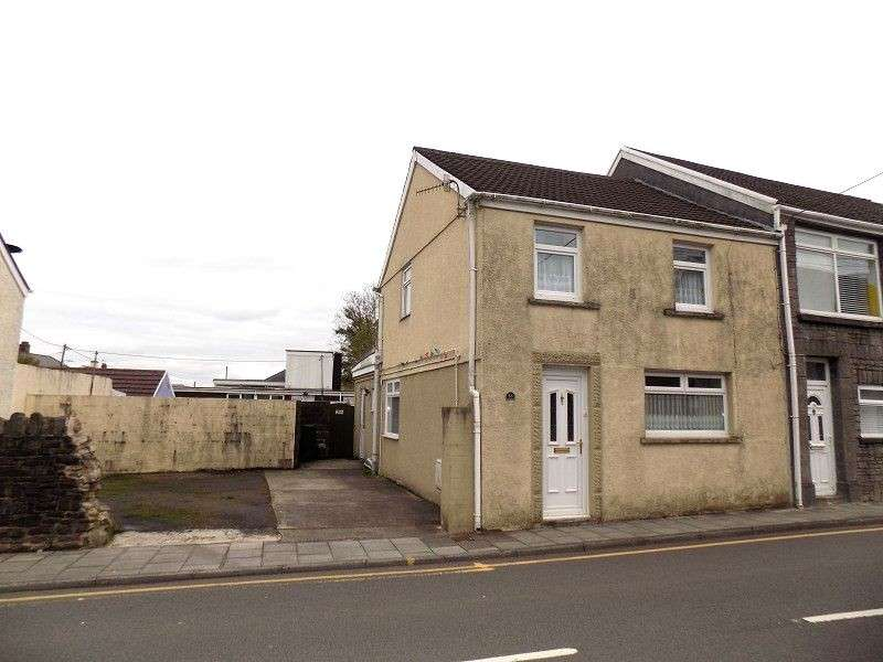 3 Bedrooms Semi Detached House for sale in Commercial Road, Resolven, Neath, Neath Port Talbot. SA11
