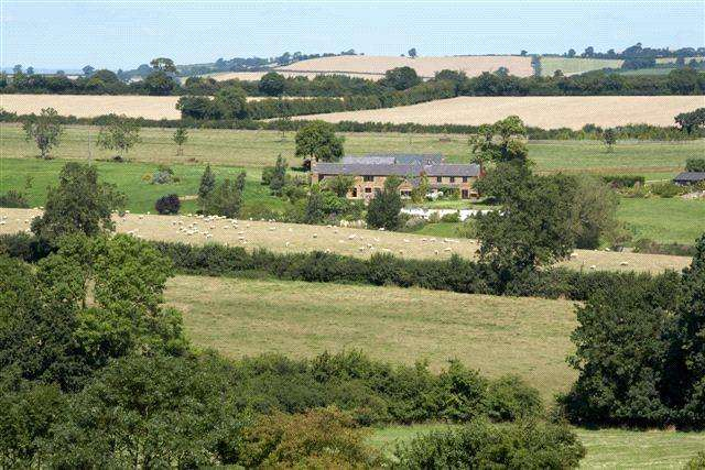8 Bedrooms Farm House Character Property for sale in Hayway Lane, Hook Norton, Banbury, Oxfordshire, OX15