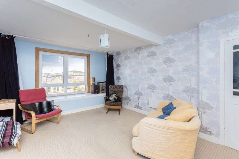2 Bedrooms Flat for sale in Baffin Street, Dundee, Angus, DD4 6EZ