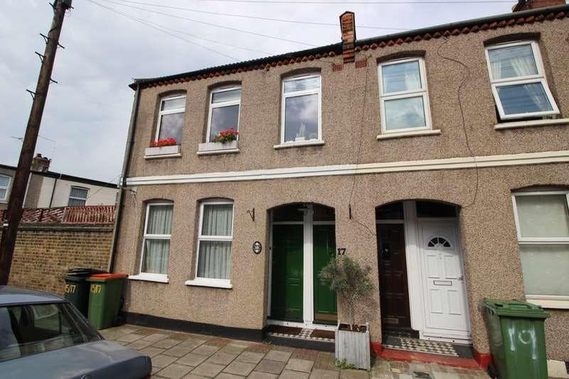 2 Bedrooms Maisonette Flat for sale in Emma Road, London, London, E13