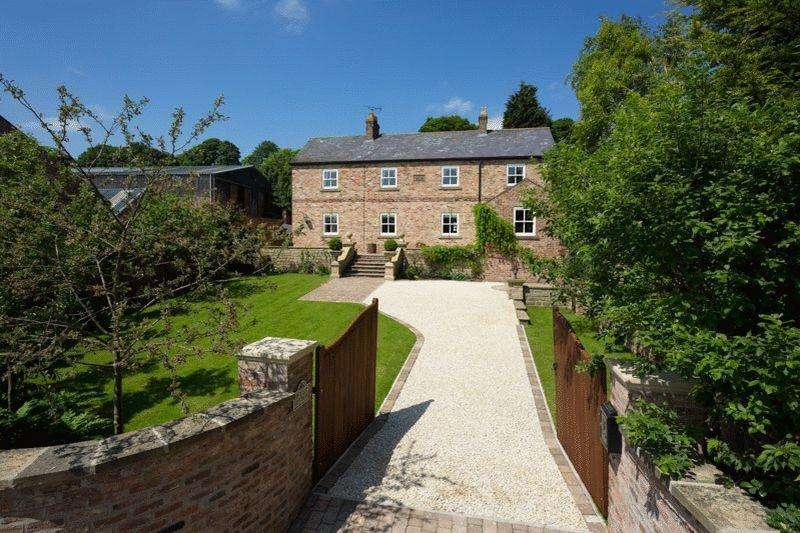 4 Bedrooms Detached House for sale in Groom's Cottage, Musley Bank, Malton, YO17 6TD
