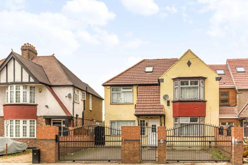 6 Bedrooms Detached House for sale in Sutton Lane, Hounslow, TW3