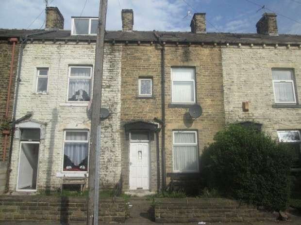 3 Bedrooms Terraced House for sale in New Hey Road, Bradford, BD4