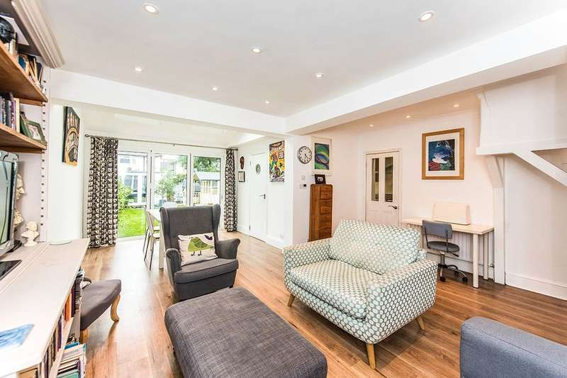 5 Bedrooms Semi Detached House for sale in Staines Road, Twickenham, TW2