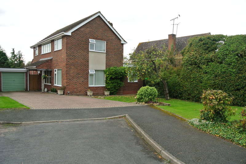 4 Bedrooms Detached House for sale in Mount Road, Evesham