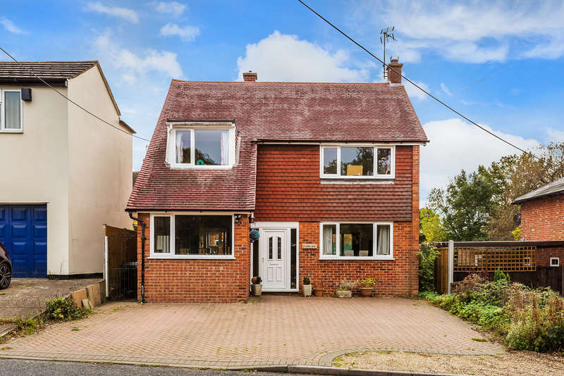 3 Bedrooms Detached House for sale in Four Elms Road, TN8