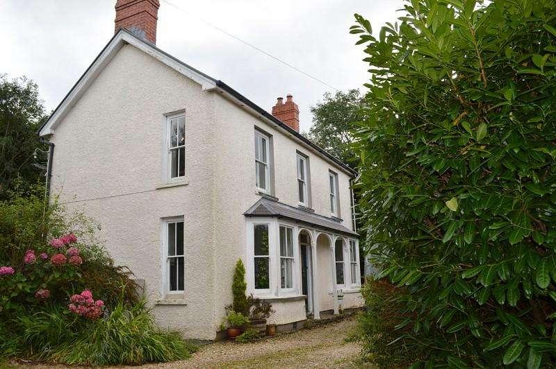 4 Bedrooms Detached House for sale in Morawel , Plwmp, Ceredigion. SA44 6HJ