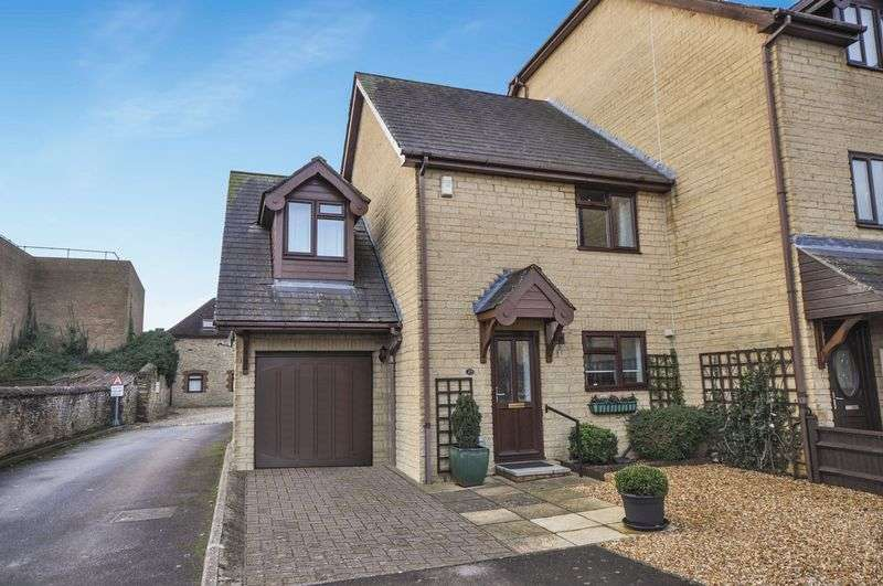 3 Bedrooms Property for sale in Victoria Court, Bicester