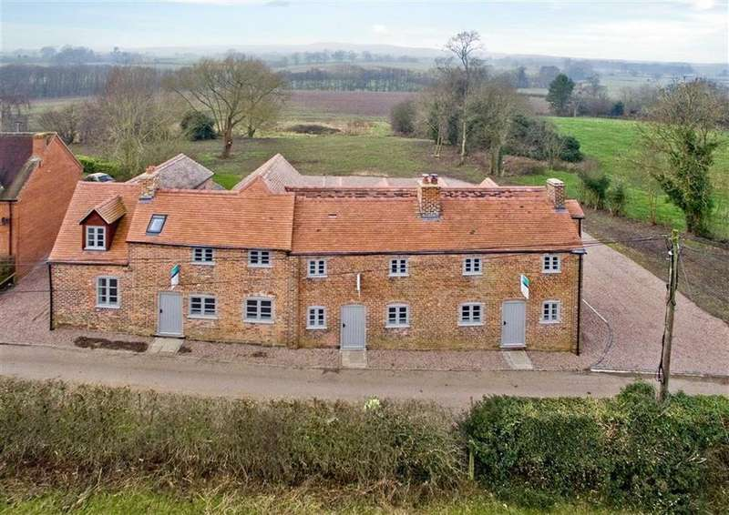 2 Bedrooms Mews House for sale in 2, The Green, Brineton, Shifnal, Shropshire, TF11