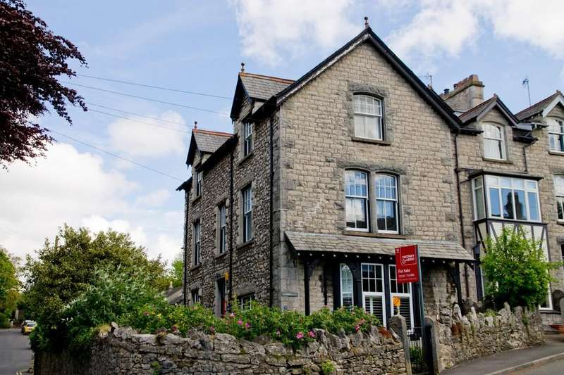 3 Bedrooms Maisonette Flat for sale in The Maisonette, Summerlea, 5 Silverdale Road, Arnside, Cumbria, LA5 0AG