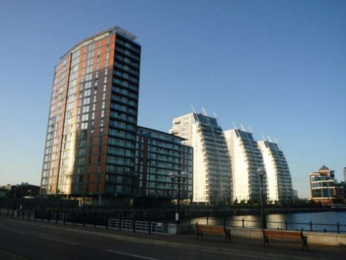 2 Bedrooms Apartment Flat for sale in City Lofts, 94 The Quays, Salford Quays, M50 3TS