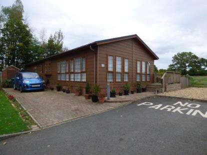 2 Bedrooms Mobile Home for sale in Harvest Hill Park, Oak Lane, Allesley, Coventry