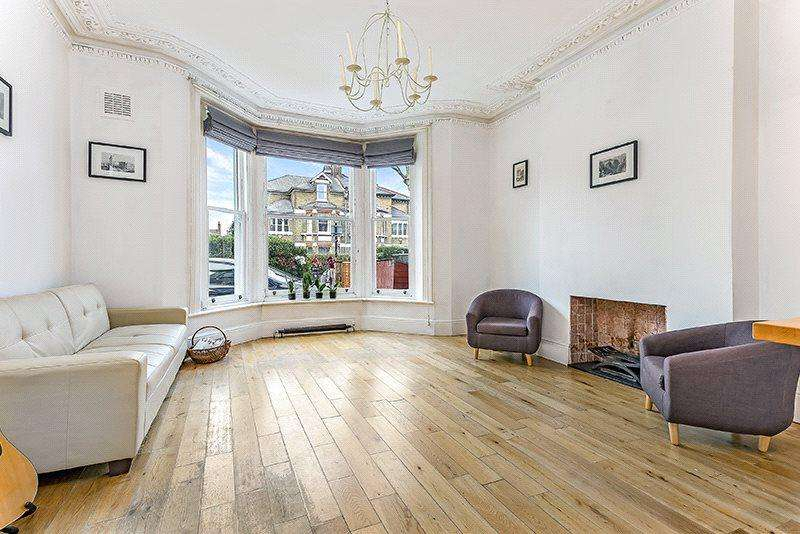 2 Bedrooms Flat for sale in Earlsfield Road, Wandsworth, London, SW18