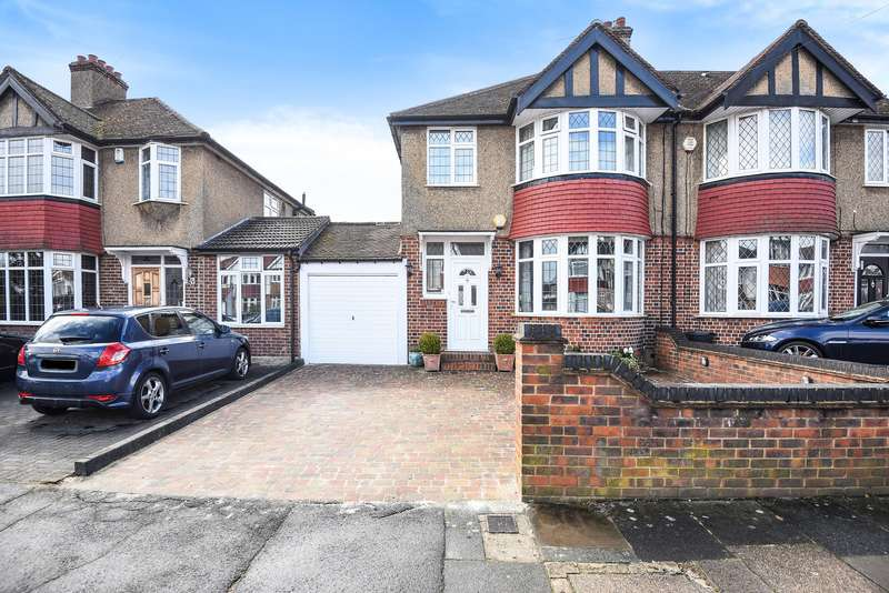 3 Bedrooms Semi Detached House for sale in Briarwood Drive, Northwood