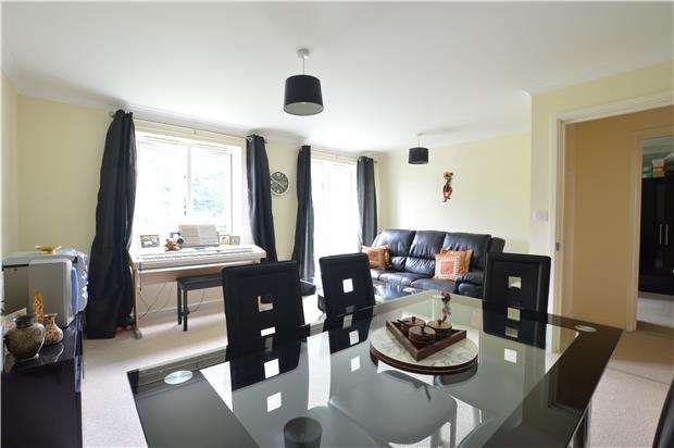 2 Bedrooms Flat for sale in Seal Road, SEVENOAKS, Kent, TN14 5AA