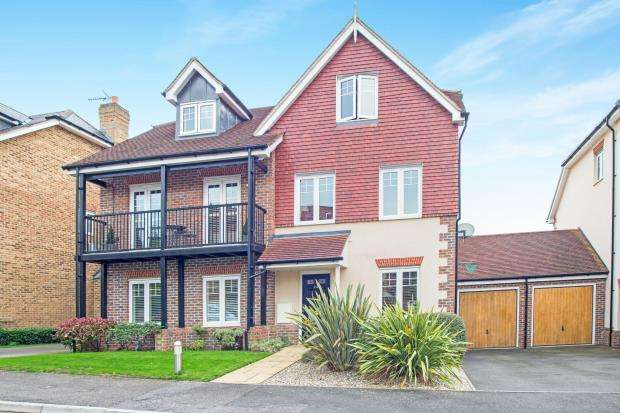 4 Bedrooms End Of Terrace House for sale in Oxshott, Leatherhead, Surrey