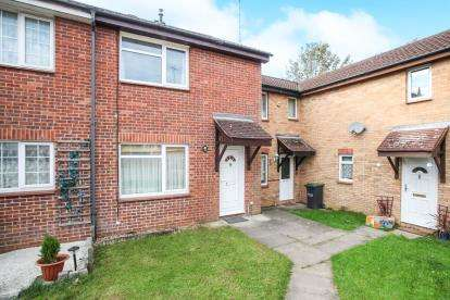 3 Bedrooms Terraced House for sale in Coverdale, Luton, Bedfordshire, Tophill