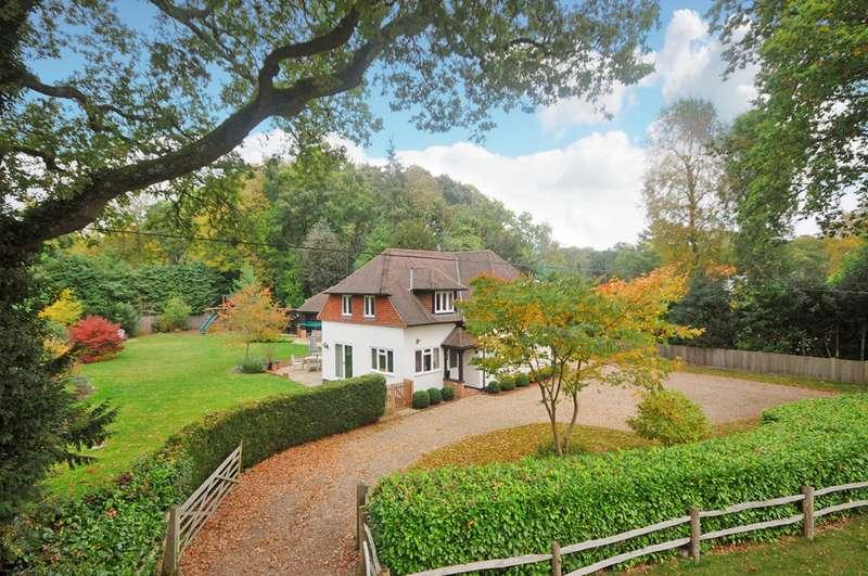 4 Bedrooms Detached House for sale in Shackleford