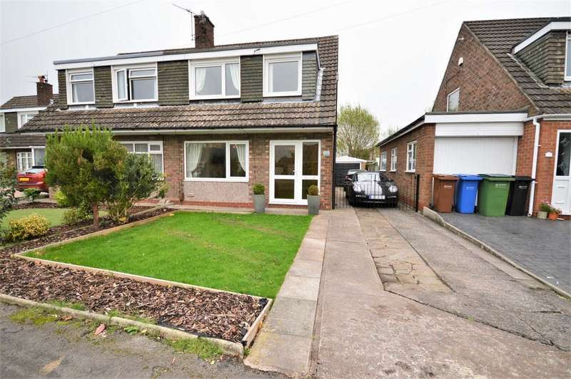 3 Bedrooms Semi Detached House for sale in Carisbrooke Avenue, Hazel Grove