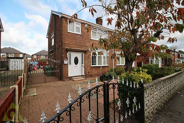 3 Bedrooms Semi Detached House for sale in Angus Avenue, Leigh, WN7