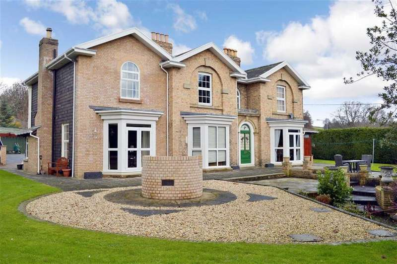 5 Bedrooms Detached House for sale in Homestay, Bryn Lane, Newtown, Powys, SY16
