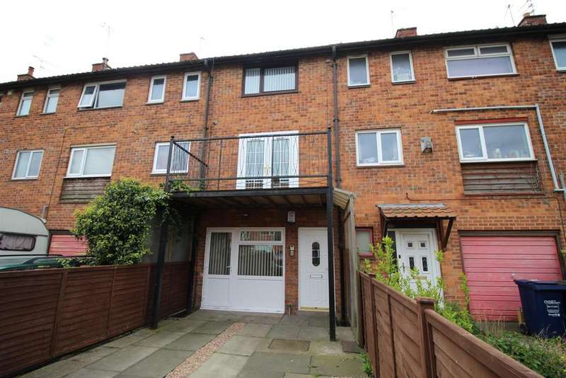 3 Bedrooms Town House for sale in Brodrick Cl, Kenton, Newcastle Upon Tyne